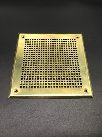 Решётка 150х150 мм, латунь, перфорация мелкий квадрат