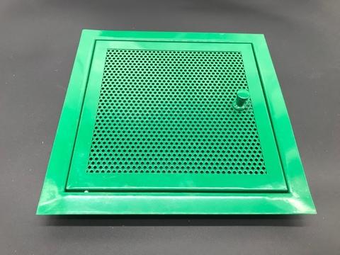 Дверца перфорированная с ручкой 200х200мм зеленая, кружочек